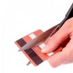 Credit card cutting zoom
