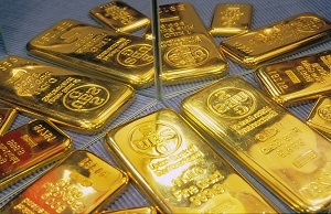 Buying Gold Helps in a Crisis like Greece