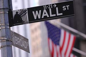 Why Investors Shouldn't Bother with Hedge Funds Anymore