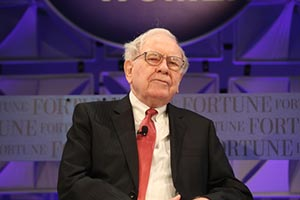 5 Warren Buffett Quotes to Remember in Times of Economic Uncertainty