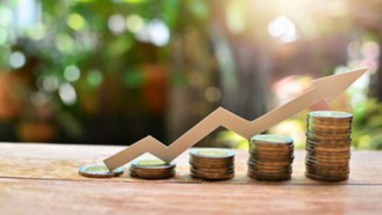 3 Top Penny Stocks to Buy in August - One Could Gain 241%